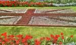Grünanlage in der die Britische Fahne gepflanzt ist
